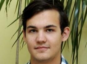"""Alex Tatomir, de la """"Nicolae Balcescu"""", medalie de aur la Olimpiada de Informatica a Europei Centrale"""