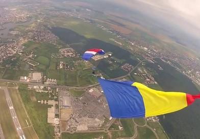 "Record Național ""Cel mai mare steag național aeropurtat"""