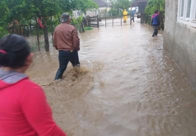 Cum va fi vremea maine de votare si saptamana viitoare? Cand scapam de ploi?