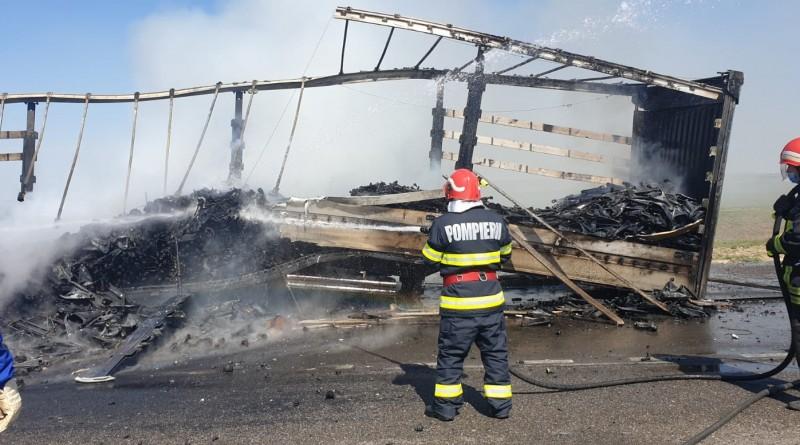 Incendiu la un TIR turcesc care staționa